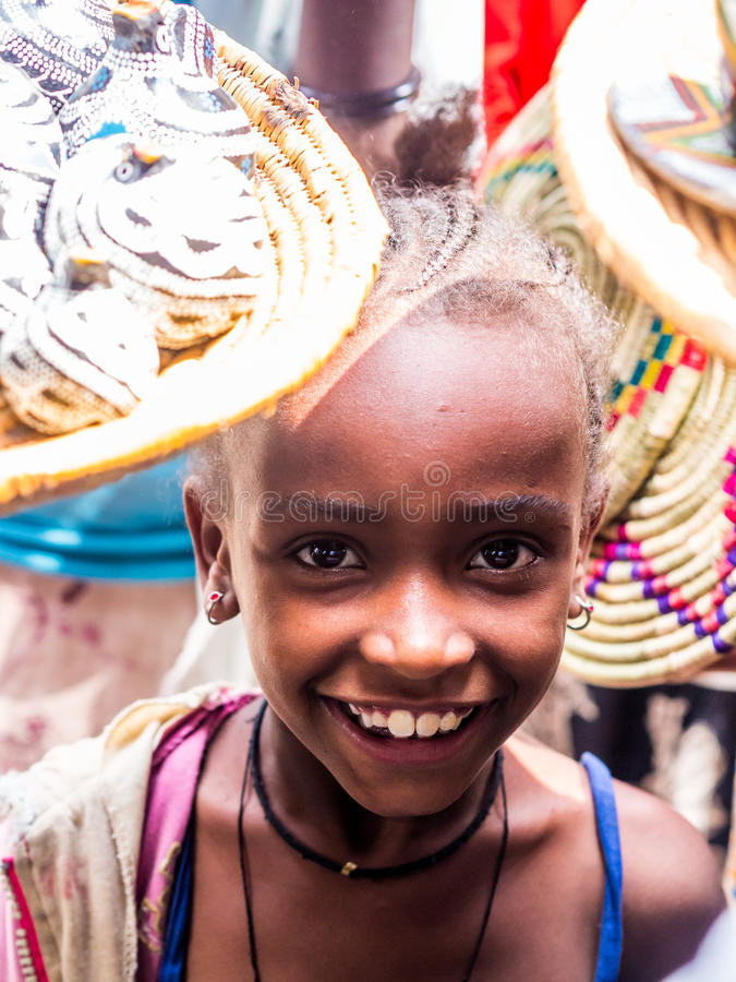 Ung etiopisk flicka royaltyfri bild