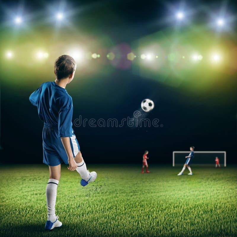 Ung fotbollmästare arkivfoto