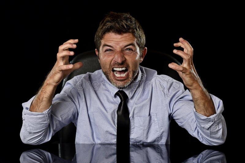 Ung galen stressad affärsman i bekymrat trött skrika för framsidauttryck som är desperat arkivbilder