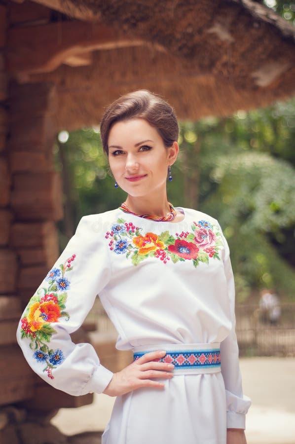 Ung härlig ukrainsk kvinna arkivbild
