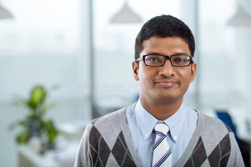 Ung indisk affärsman royaltyfri foto