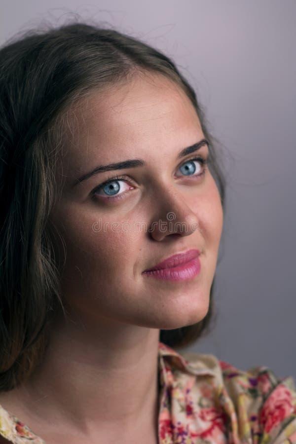 Ung kvinna arkivbilder