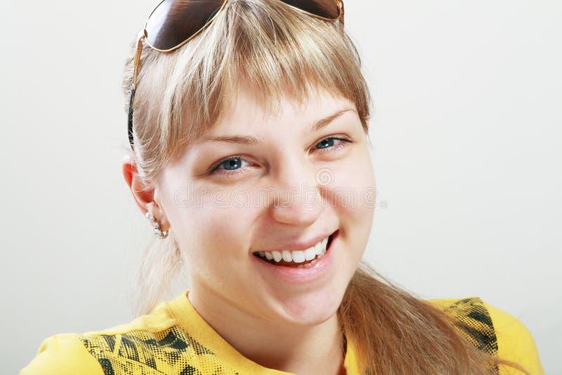 Ung kvinna royaltyfria bilder