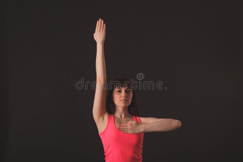 Ung kvinnlig dansjazz royaltyfri foto