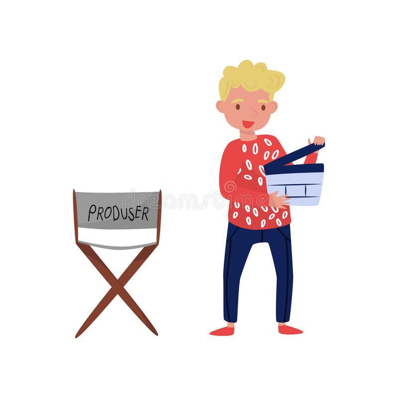Ung le man med clapperboard Grabb som står near stol för producent` s Filmmakingtema Plan vektordesign royaltyfri illustrationer
