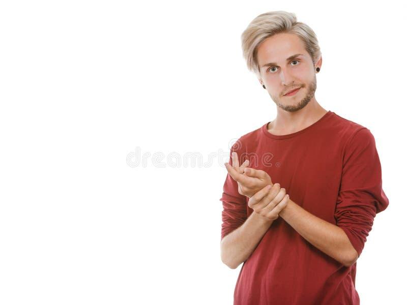 Ung man för stående med stilfull frisyr royaltyfria foton