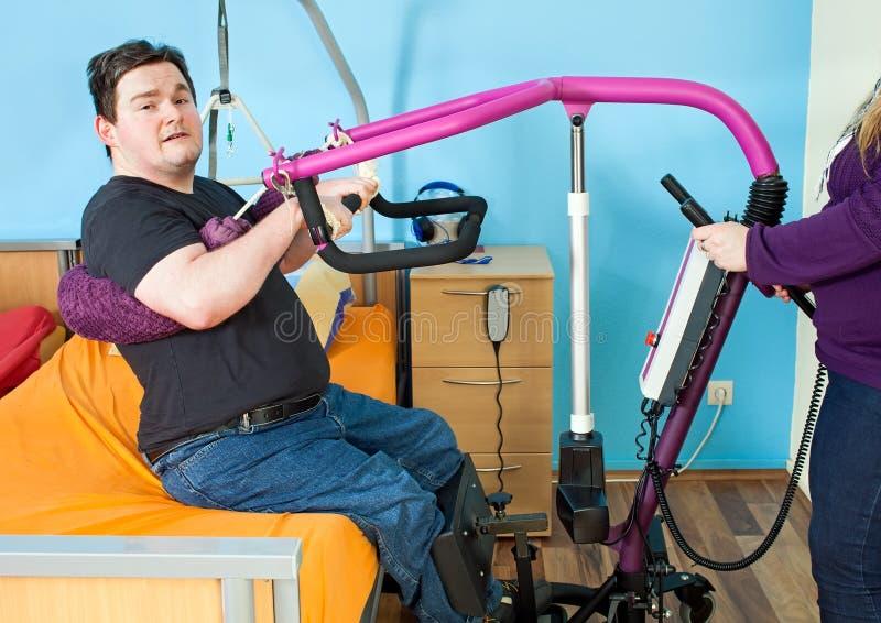 Ung man med barn- cerebral förlamning fotografering för bildbyråer