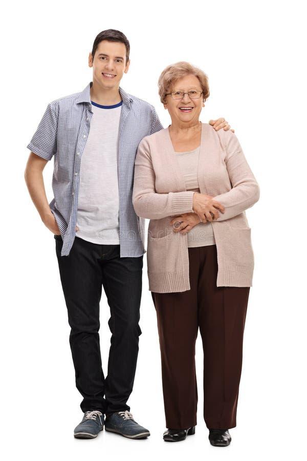 Ung man och en mogen kvinna royaltyfri foto