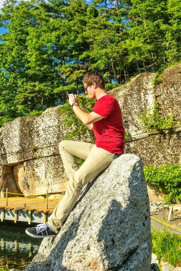 Ung manlig vuxen människa fotografering för bildbyråer