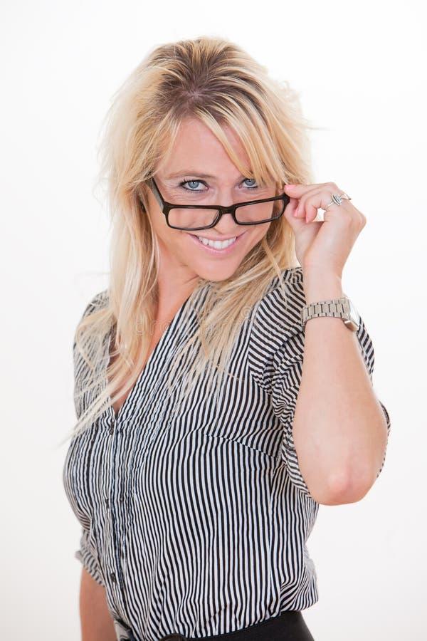 Ung och härlig blond caucasian affärskvinna royaltyfria foton