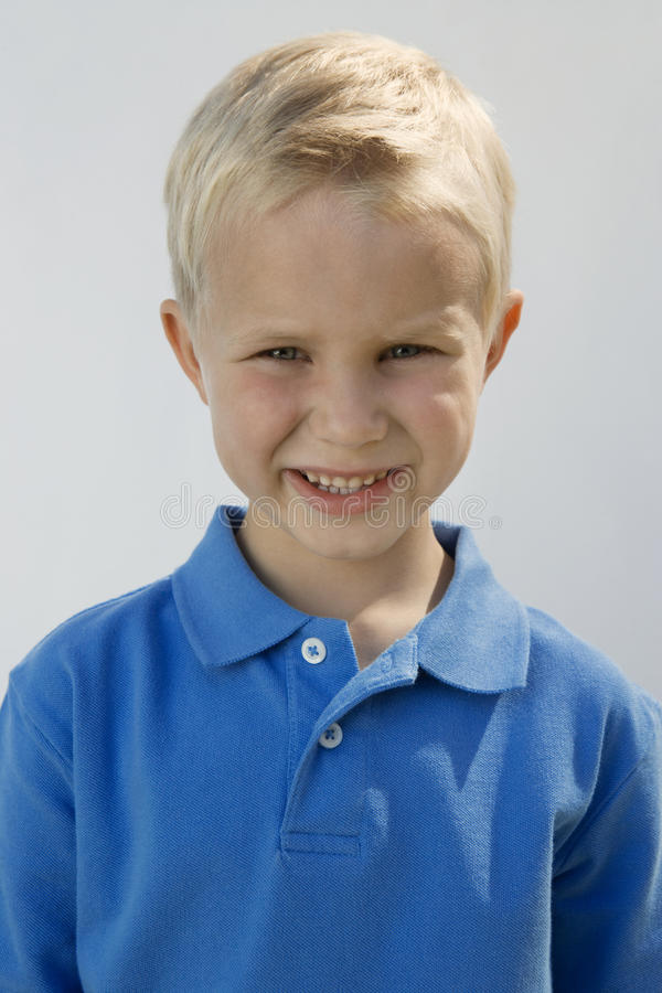 Ung pojke royaltyfri fotografi