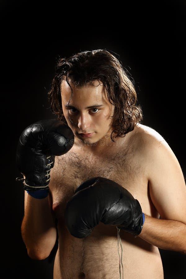 Ung rasande boxare arkivbild