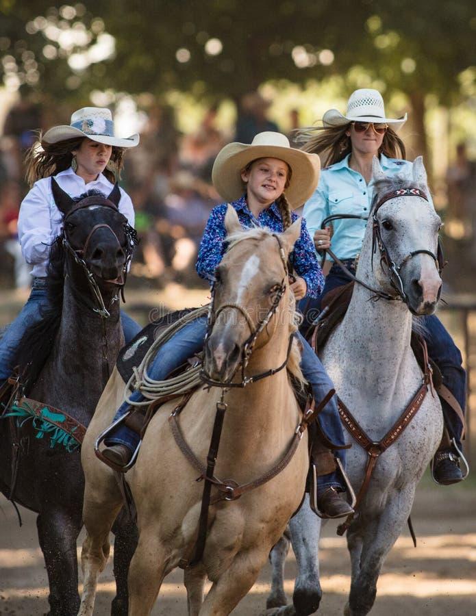 Ung rodeoQueens royaltyfri foto