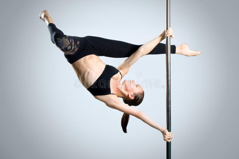Download Ung Sexig Dans För Kvinnaövningspol Fotografering för Bildbyråer - Bild av dans, europeiskt: 27279571