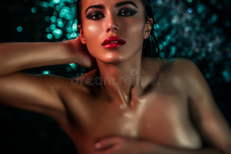 Ung sexig kvinna royaltyfri foto