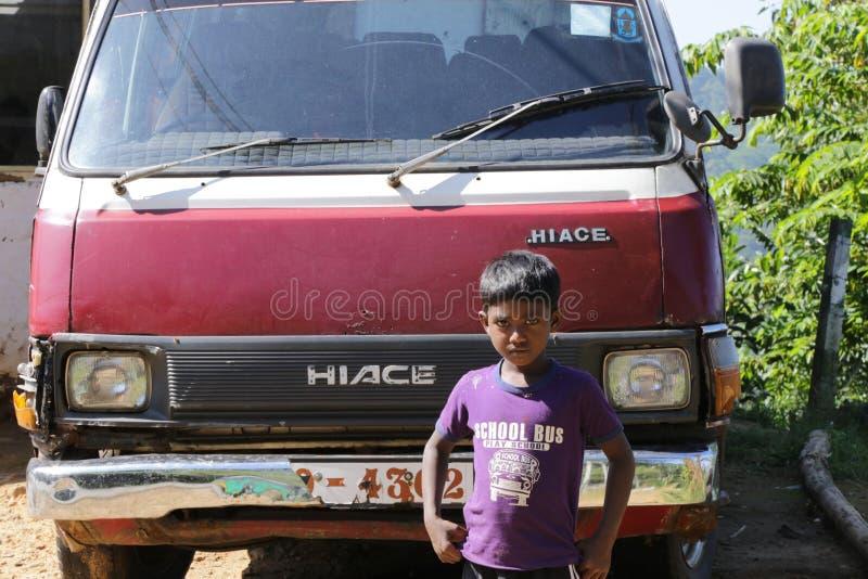 Ung Sri Lanka pojke fotografering för bildbyråer
