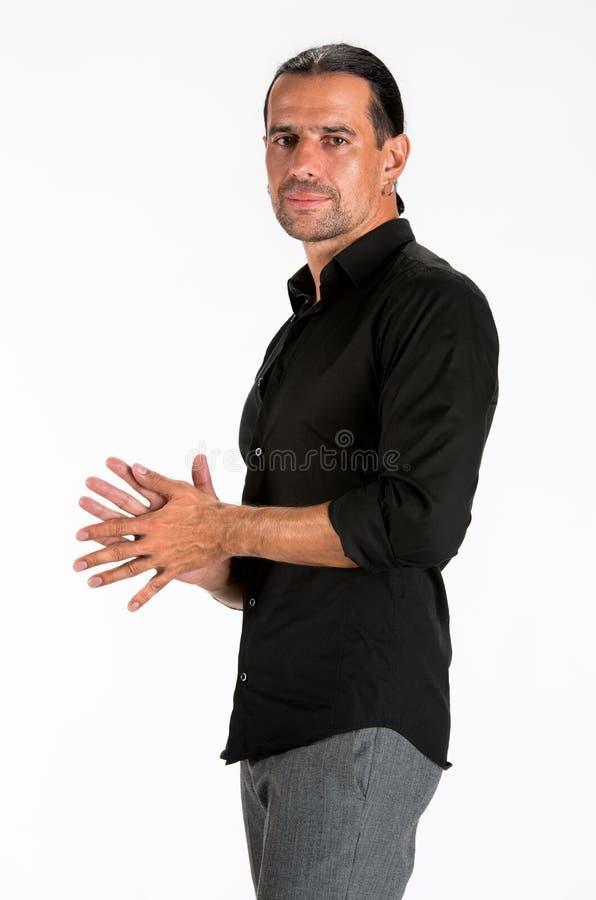 Ung Stilig Man I Svart Skjorta Royaltyfri Fotografi
