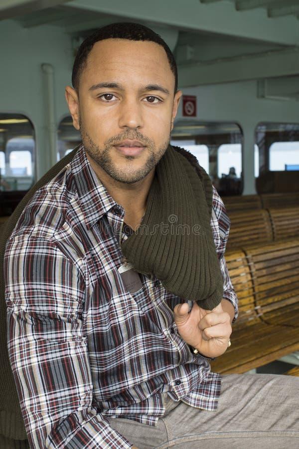 Ung svart man av ferryboaten royaltyfri fotografi