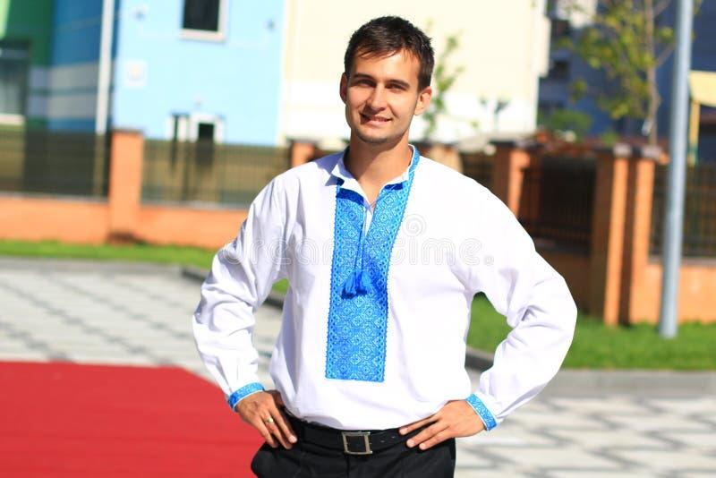Ung ukrainsk manpatriot royaltyfri foto