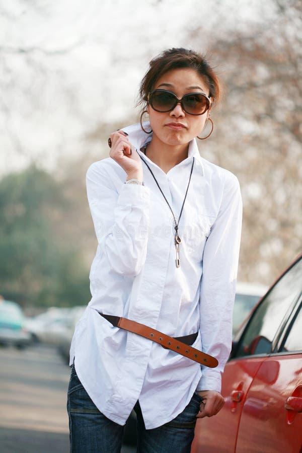 unga asiatiska kvinnor arkivbild