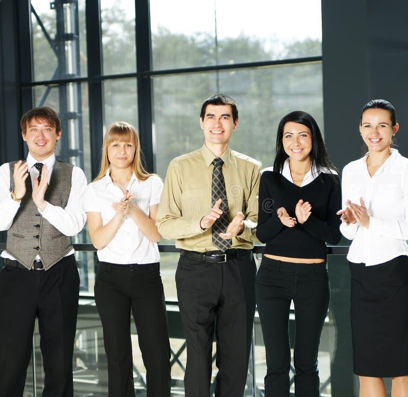 unga personer för businessteam fem fotografering för bildbyråer