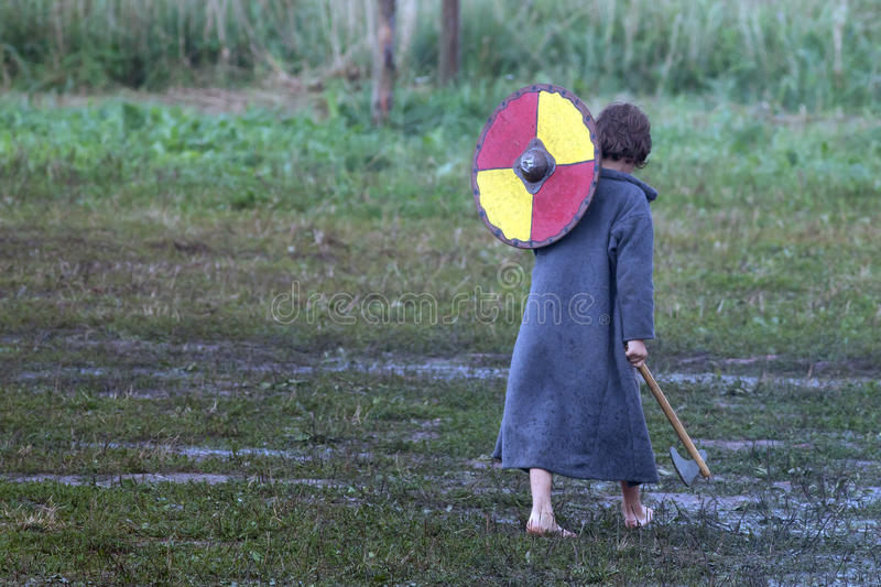Unga Viking royaltyfria bilder