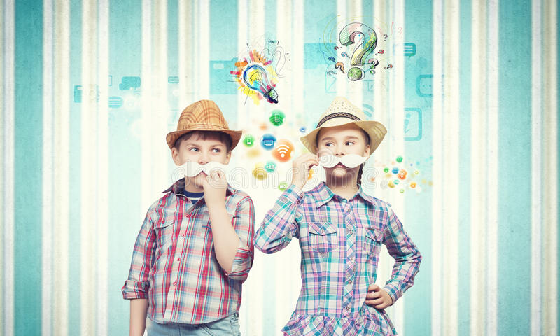 Ungar med mustaschen fotografering för bildbyråer
