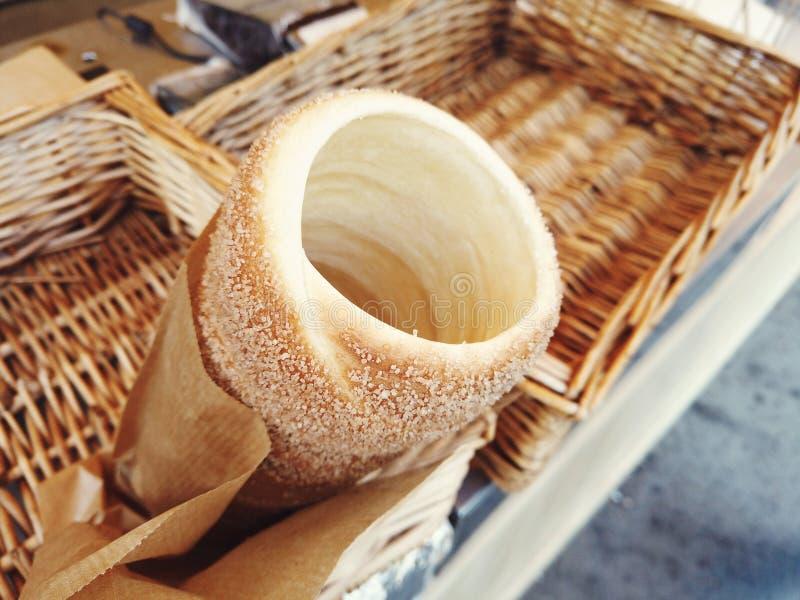 Ungarisch ein runder Laib mit Zimt und braunem Zucker stockfoto