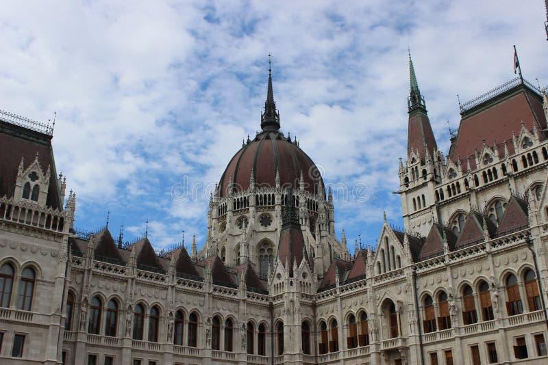 Ungarisches Parlamentsgebäude in Budapest stockbild