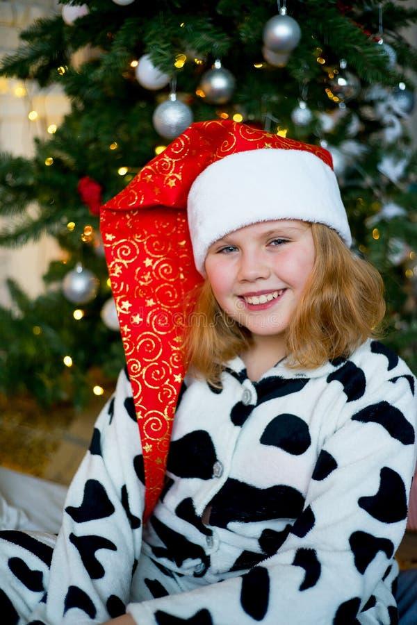 Download Unge som firar jul fotografering för bildbyråer. Bild av utgångspunkt - 106837849