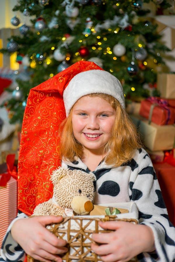 Download Unge som firar jul arkivfoto. Bild av little, gyckel - 106838210