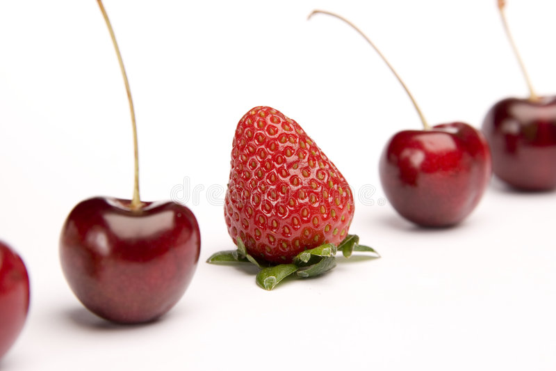 Ungerade Frucht heraus stockbild
