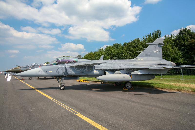 Ungersk flygvapenSaab JAS-39 Gripen jaktflygplan arkivbild