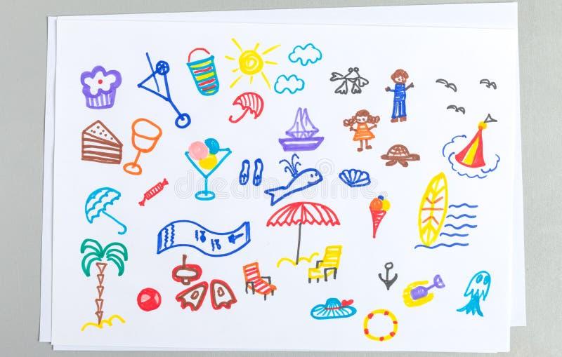 Ungeteckningar ställde in av olika tillbehör och beståndsdelar för sommarstrandsemester stock illustrationer