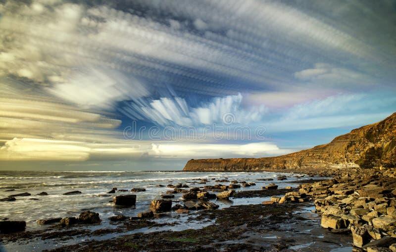 Ungewöhnliche Landschaft unter Verwendung der Zeitspanne, welche die Technik uni gibt stapelt lizenzfreie stockfotos