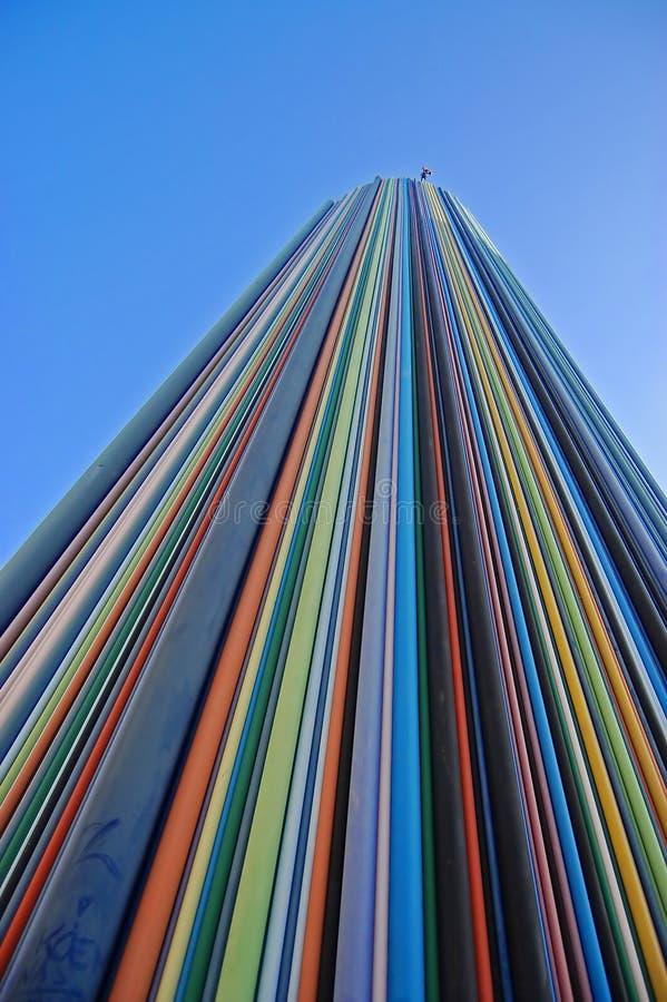 Ungewöhnlicher Wolkenkratzer im modernen Vorort Paris lizenzfreie stockfotografie