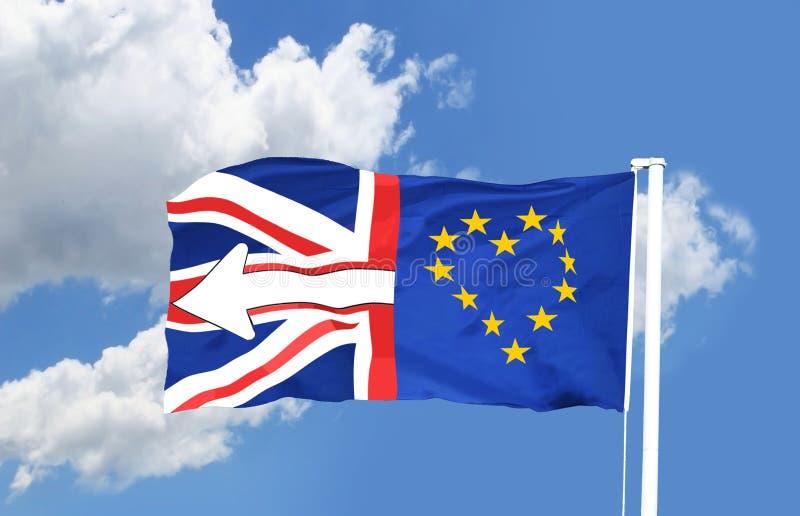 União Jack Flag do Reino Unido e da forma da bandeira da União Europeia do amor do coração a UE foto de stock