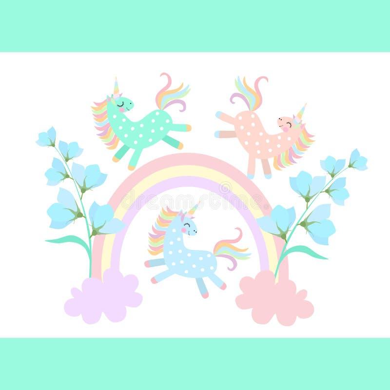 Unicórnios pequenos engraçados do pônei que jogam entre o arco-íris e as nuvens, de que cresça as flores de sino azuis isoladas n ilustração do vetor