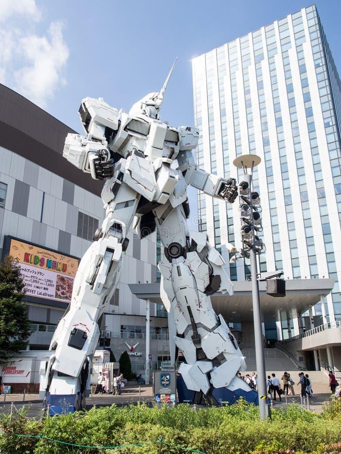 Unicorn Gandam Statue Odaiba, Tokyo, Japan fotografering för bildbyråer