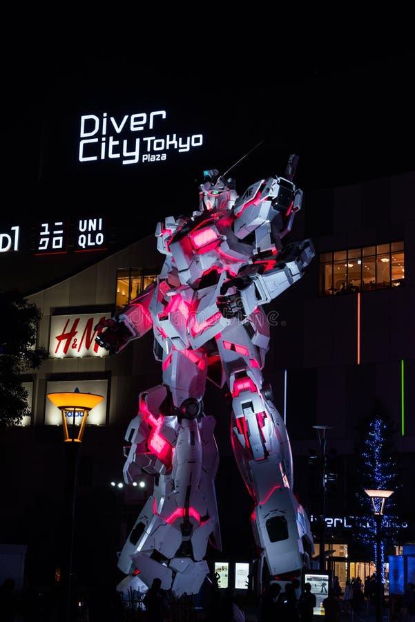 Unicorn Gundam Statue em Odaiba, Tóquio foto de stock