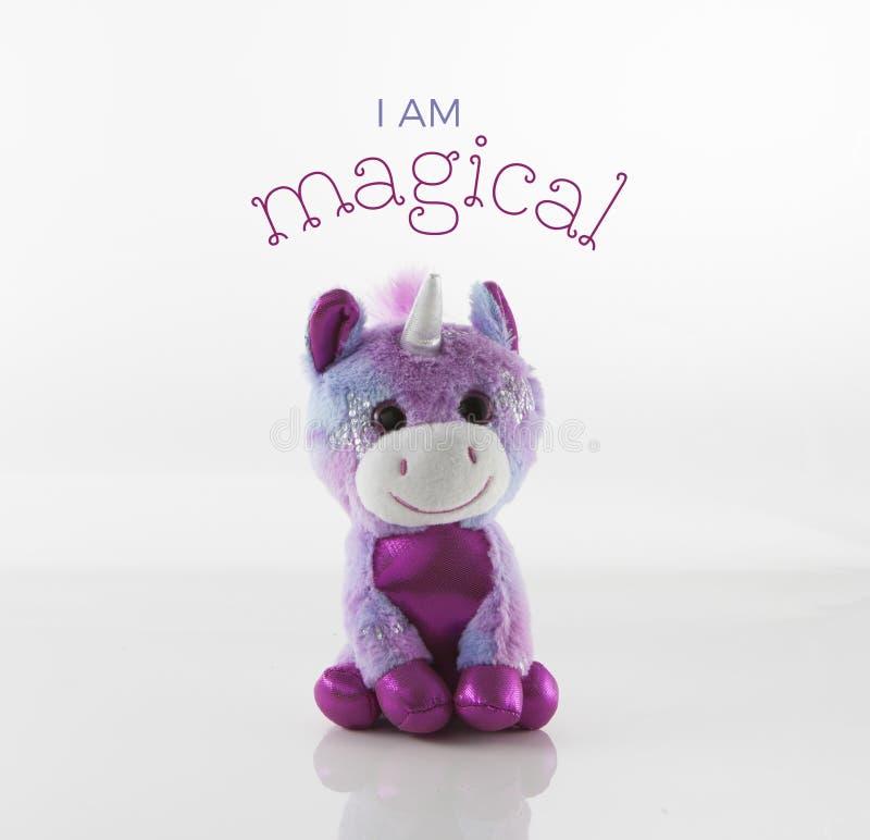Unicorn Toy lindo con el texto imagen de archivo libre de regalías