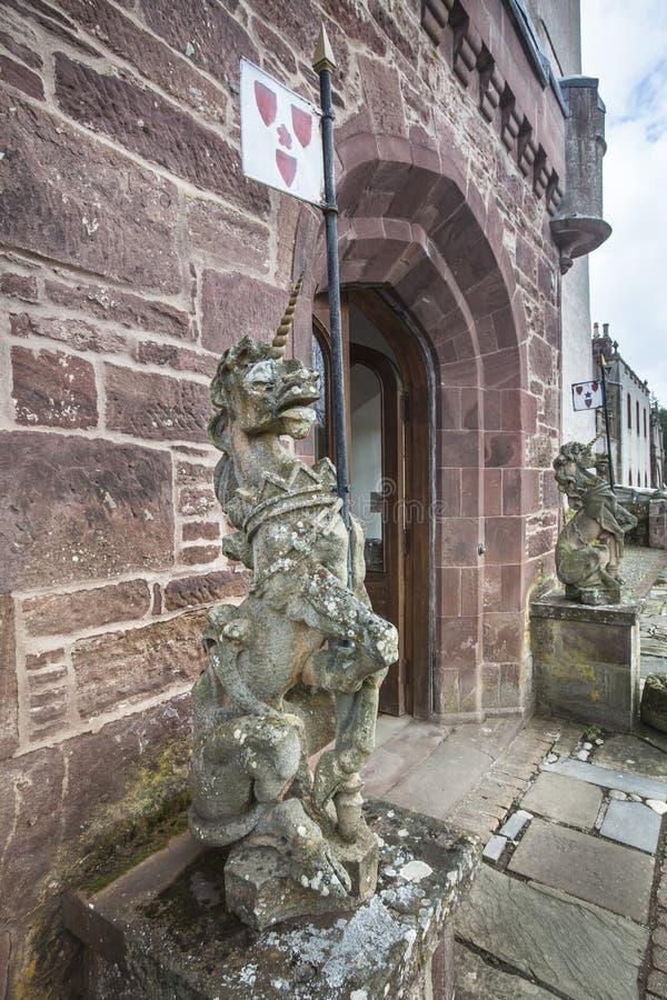 Unicornios en el castillo de Delgatie en Escocia foto de archivo