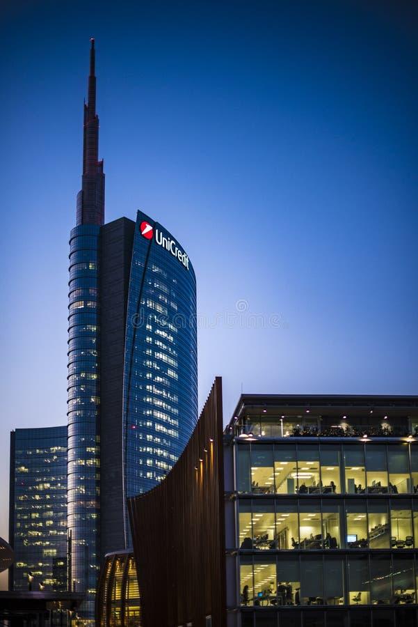 Unicredit-Turm stockfotos