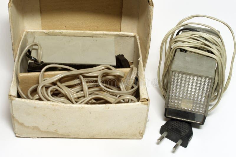 Unidad del flash de la cámara del impulso del vintage en caja de cartón original imagenes de archivo