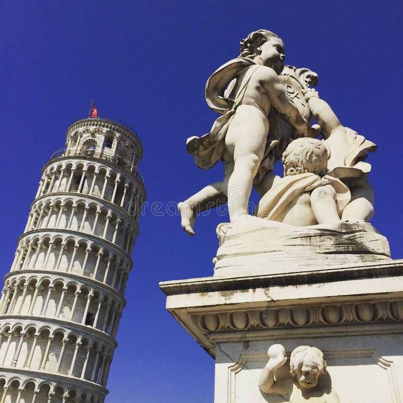 Unidad del ` s de la torre y de la escultura de Pisa imagen de archivo libre de regalías