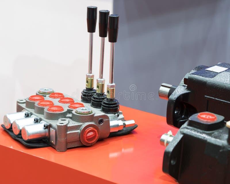 Unidad hidráulica de la válvula de control para el evaculator fotografía de archivo