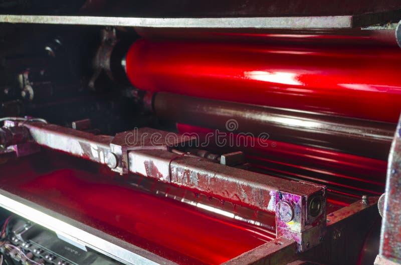 Unidad magenta de la tinta de la máquina de la impresión compensada de la prensa fotos de archivo libres de regalías
