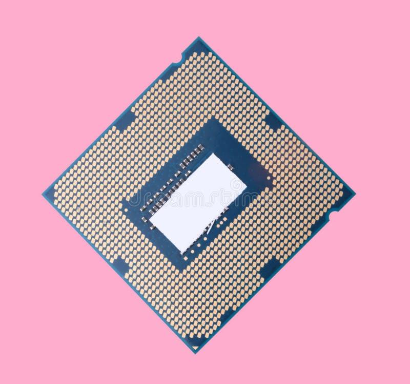 Unidade central do processador isolada no fundo cor-de-rosa em ensolarado seco imagem de stock