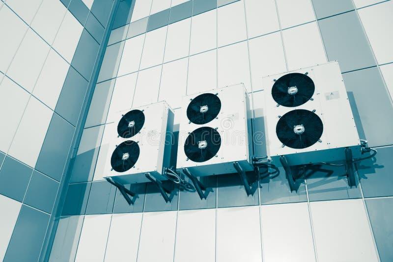 Unidade exterior do sistema da condição do ar fotografia de stock royalty free