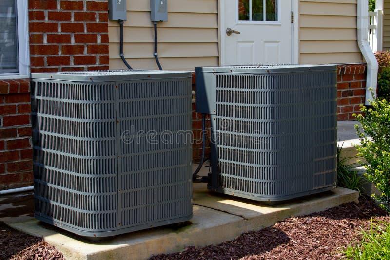 Unidades de aire acondicionado imagenes de archivo